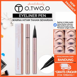 O.TWO.O Eyeliner Cair PEN Warna Hitam Waterproof Dan Tahan Lama