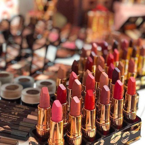review lipstik glowing
